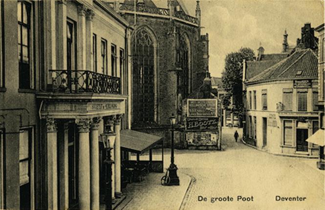 In 1836 werd De Steerne gesloopt om plaats te maken voor het Athenaeum Illustre.